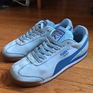 Puma Sneakers, baby blue suede! GUC. W sz 8